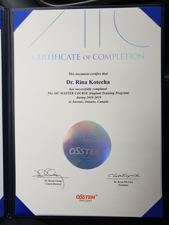 Completion of the Dental Implants training program - AIC Master Course 03