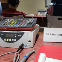 Dr. Rina Kotecha at the Implant training session with Hiossen Implant System imag 05